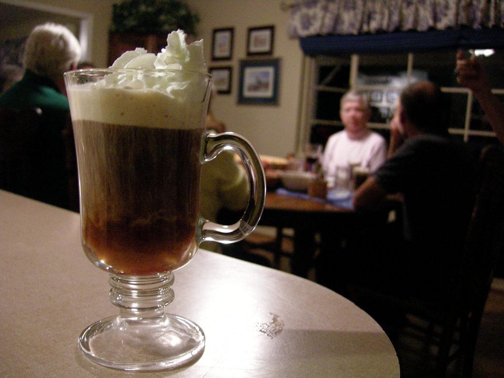 Чаша Ирландско кафе
